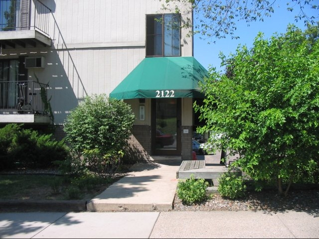 2122 Grand Twin Cities Apartment Guide